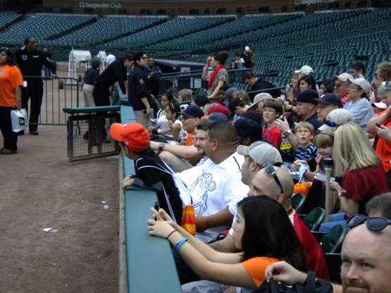 Fans await autographs