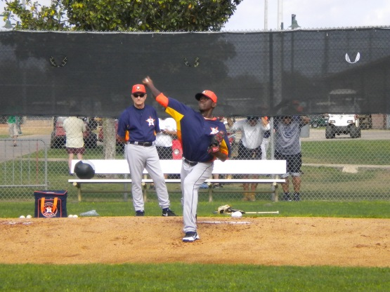 Wesley Wright throws in bullpen.