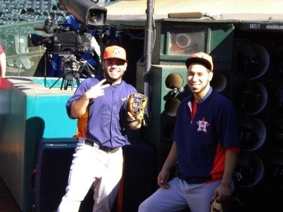 Buddies Jose Altuve and Marwin Gonzalez are reunited.